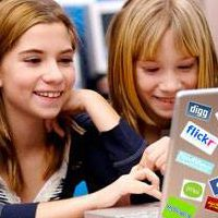 Il 54% dei genitori ignora cosa guarda il figlio sul web
